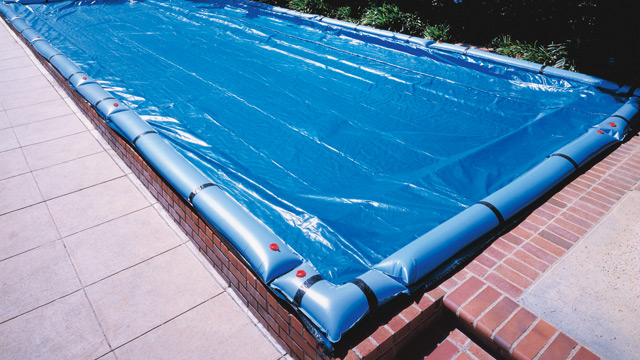 winter pool cover with water bags