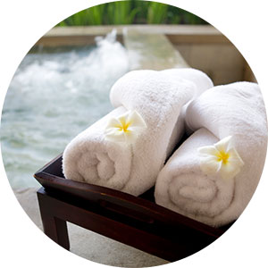 towel caddy for hot tub