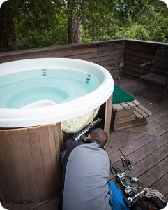 How to Troubleshoot Common Hot Tub Problemsthumbnail image.