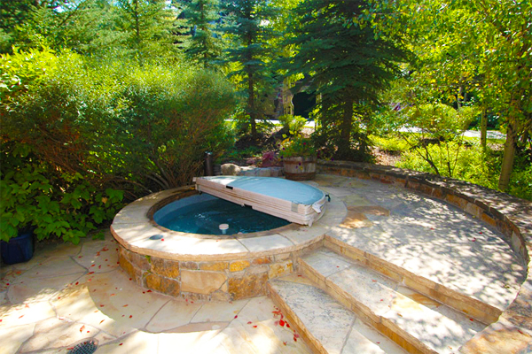 12 Inground Spas And Hot Tubs That I Love