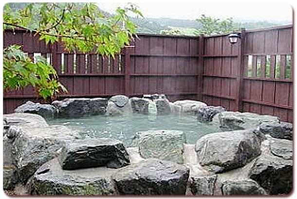 luxurious-spas-hot-tubs-11
