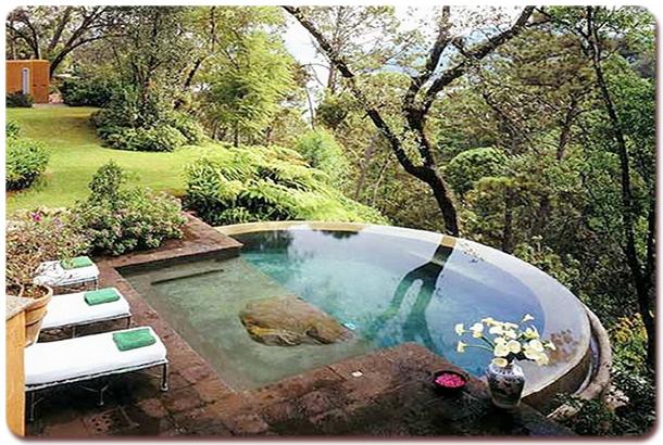 luxurious-spas-hot-tubs-14